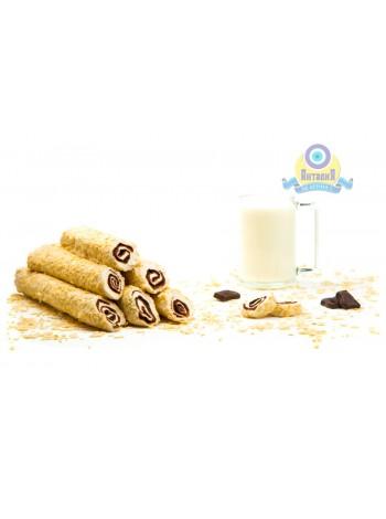 Рулет молочный с крем шоколадом в арахисовых лепестках